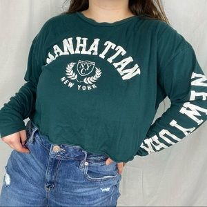 manhattan crop top💚🤍